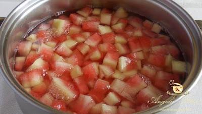 Dulceata din coji de pepene rosu - etapa 2