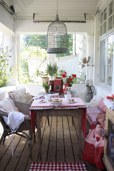 Beautiful Abodes: Cozy Dining-Rooms