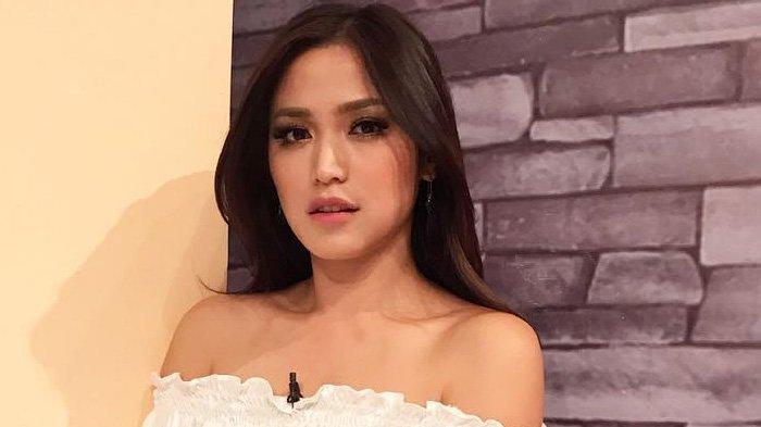 Daftar Film, Sinetron, dan FTV yang Dibintangi Jessica Iskandar