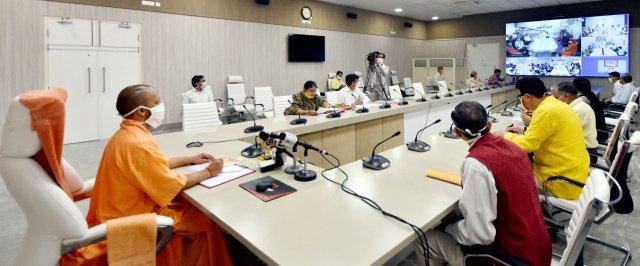 उ0प्र0 मुख्यमंत्री योगी आदित्यनाथ ने बाढ़ से प्रभावित 19 जनपदों के 03 लाख 48 हजार 511 किसानों को क्षतिपूर्ति अनुदान के रूप में 113 करोड़ 20 लाख 66 हजार रु0 की धनराशि उनके खातों में ऑनलाइन हस्तांतरित की
