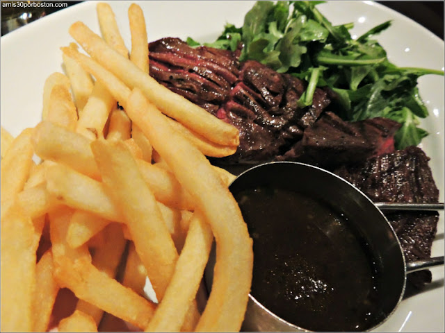 Dine Out Menú Boston Chops: Grilled Niman Ranch Hanger Steak