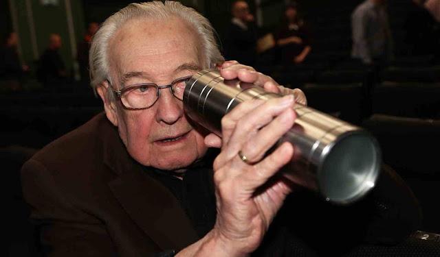 Αντρέι Βάιντα ήταν Πολωνός σκηνοθέτης, σεναριογράφος και παραγωγός