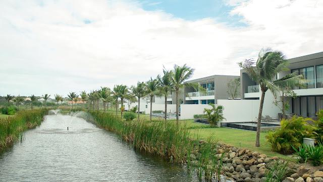 Khuôn viên tươi mát tại khu biệt thự Santuary Hồ Tràm