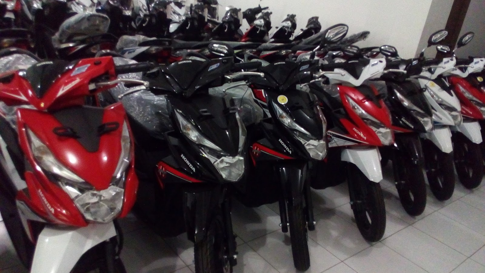 Kredit Sepeda Honda Beat All New Sporty Esp Cw Dance White Sragen Motor Kota
