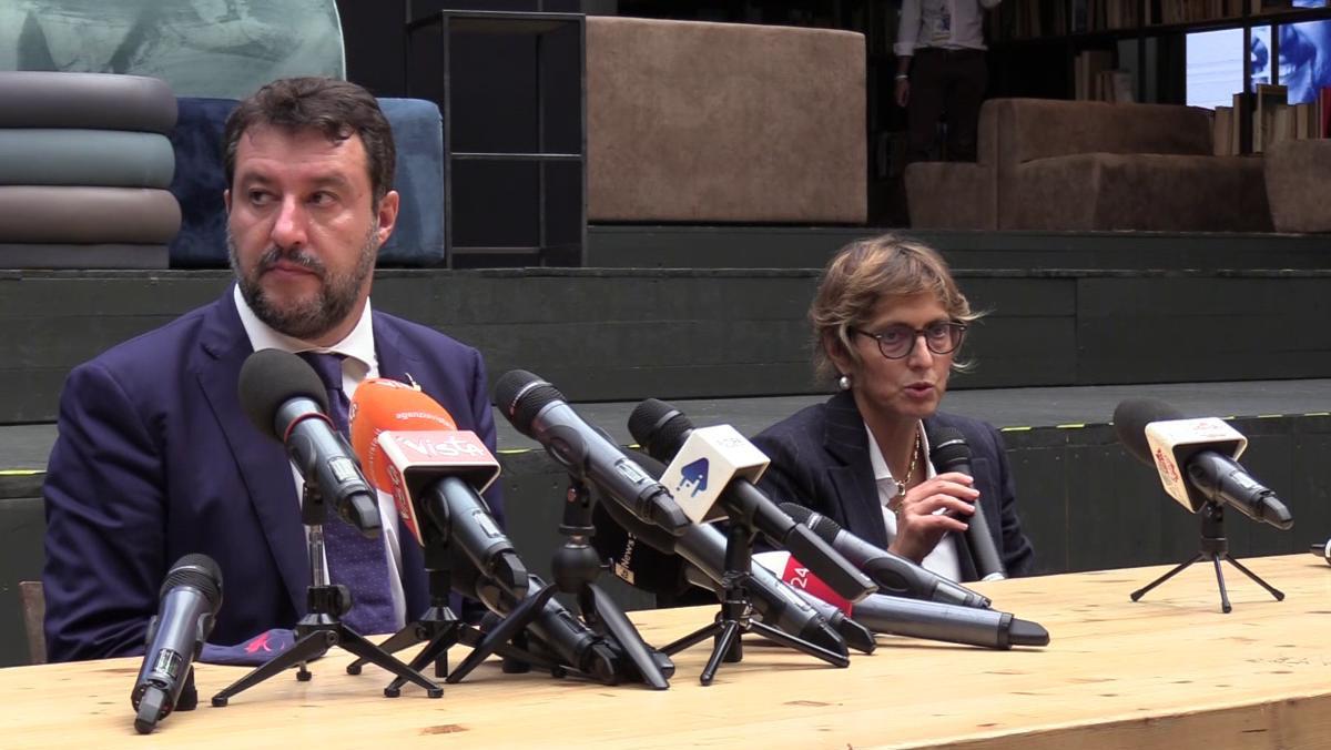 Processo a Salvini a Catania