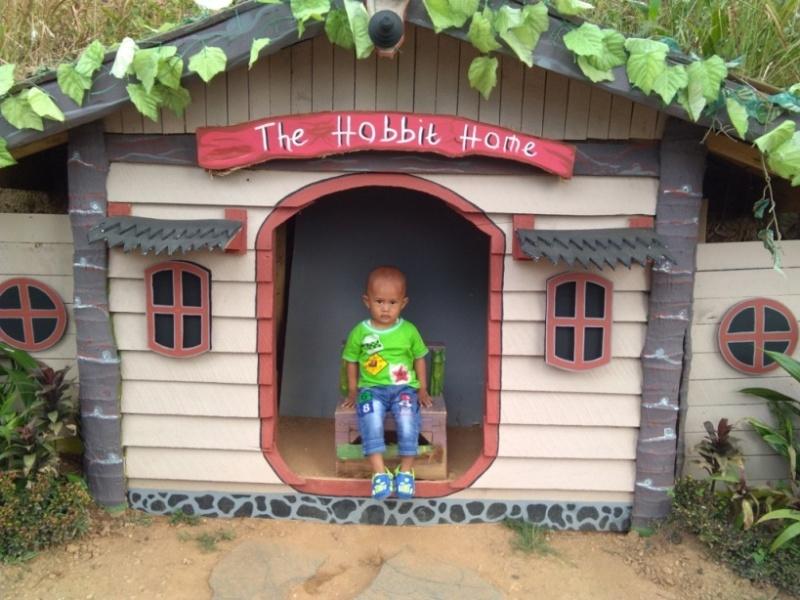Coba Geh Rumah Hobbit Bukit Pangonan Icon Wisata Alam Kota Pringsewu Lampung