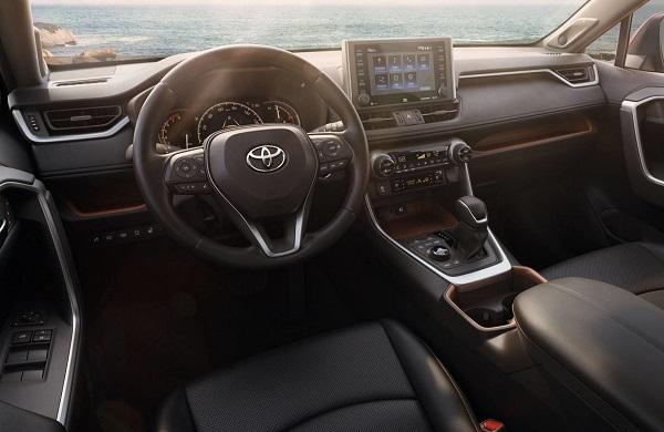 Interior Toyota RAV4 2019