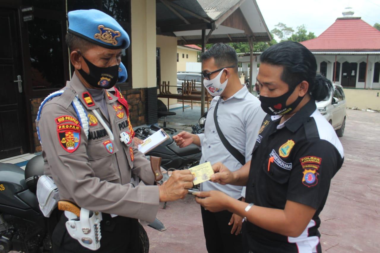 Cegah Penyalahgunaan Senpi, Propam Polda Kalteng Cek Senjata Api Personel Polres Lamandau