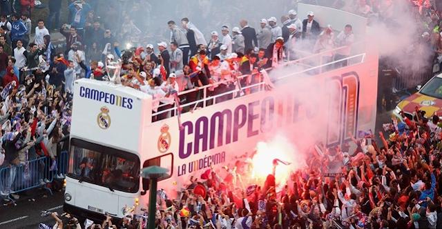 Fans Turun Kejalan-Jalan Untuk Menyambut Kedatang Tim Real Madrid