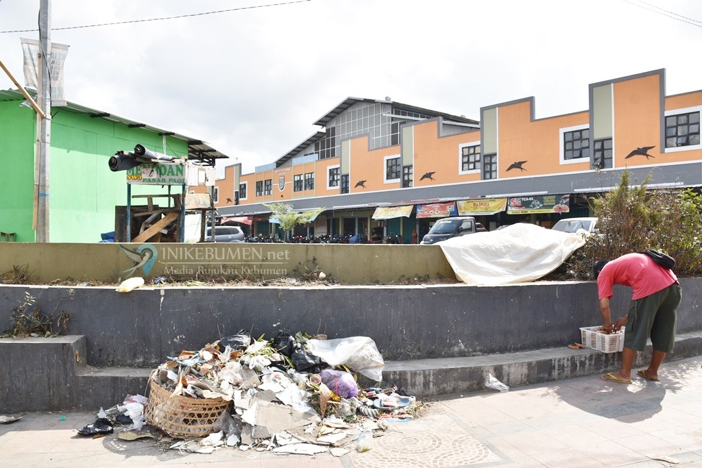 Duh! Jelang Penilaian Adipura, Sampah Masih jadi Masalah di Pasar Tumenggungan