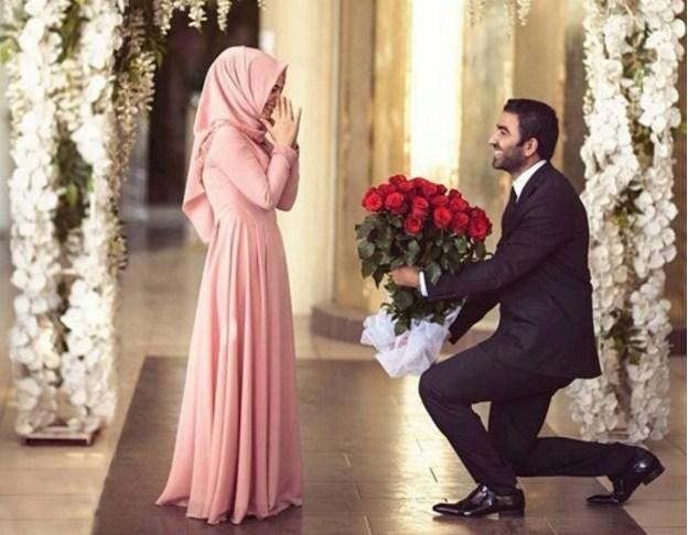 Suami romantis istri romantis