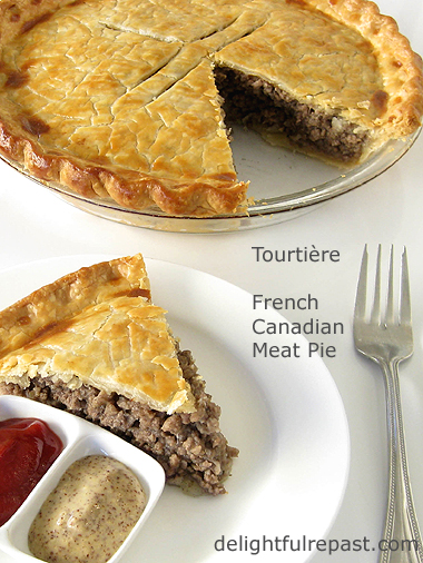 Tourtiere - French Canadian Meat Pie / www.delightfulrepast.com