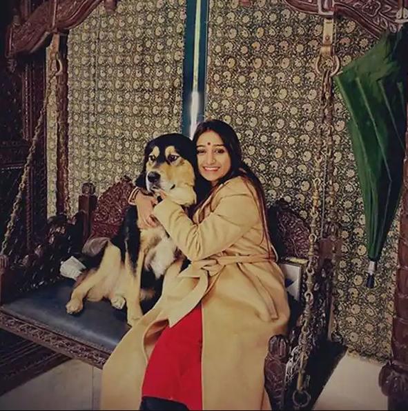 राजसी ठाठबाट के मजे ले रही हैं Mohena Kumari Singh