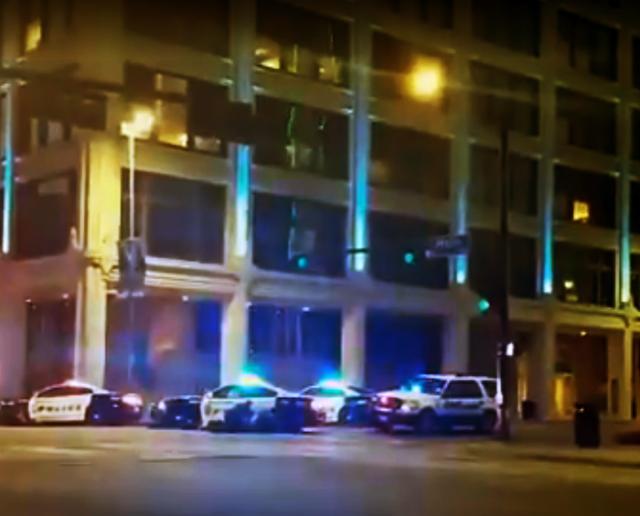 ver vídeo cinco los policías muertos en Dallas