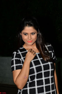 Shilpa Chakravarthy in Dark blue short tight dress At Srivalli Movie Pre Release Event ~  Exclusive Celebrities Galleries 030