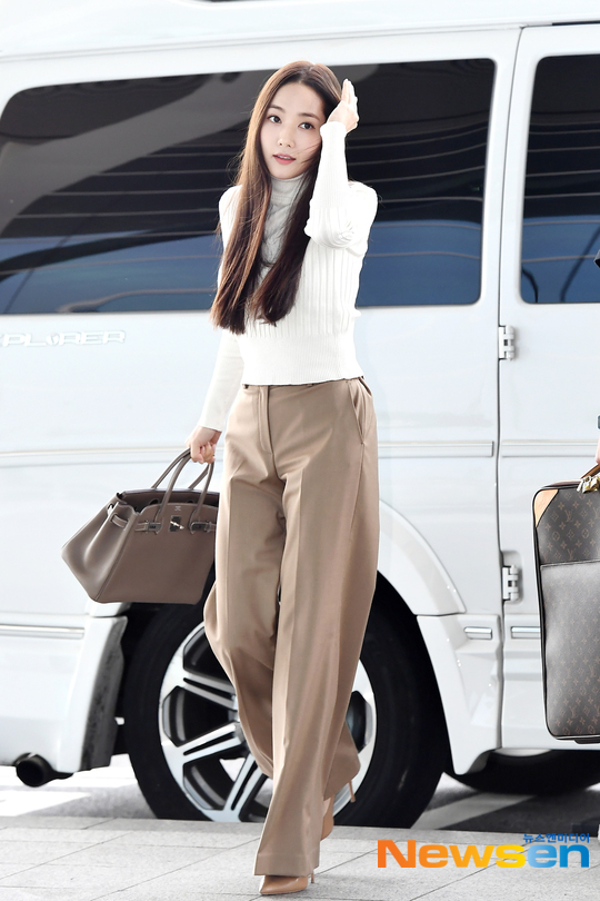 [Airport Fashion] 191021 Park Min Young @ Incheon International Airport