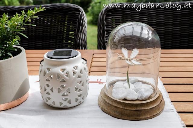 Glasglocke mit Libelle aus Draht