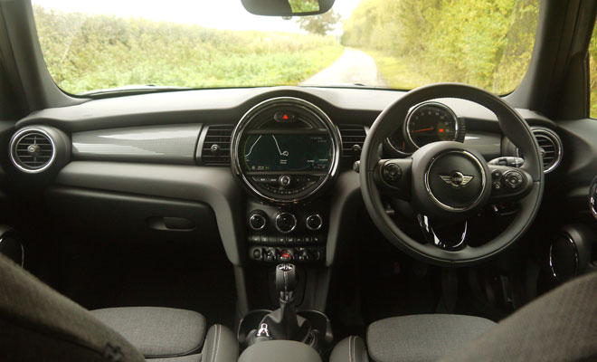 Mini Cooper D five-door dashboard