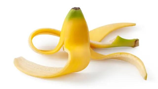 الموز للتخلص من الأسنان الصفراء.