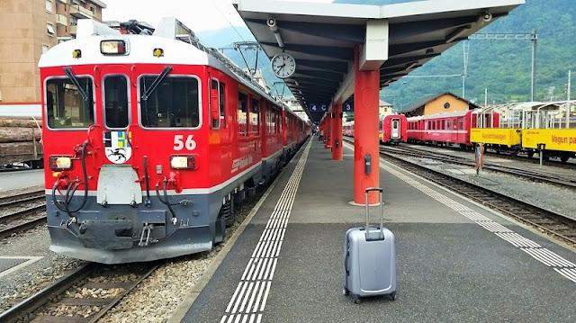 Trem na estação Tirano