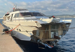 Out-News = Classic Super Yacht Collides into Rock