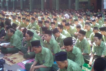 Siswa MA TBS gelar doa bersama peduli Lombok