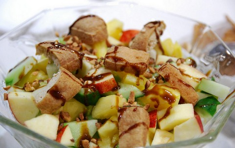 Rojak salad with fruits