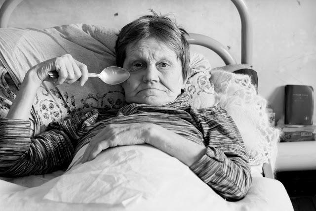 Второй год Ольга живёт в приюте для бездомных и ждёт, когда сыновья заберут её домой