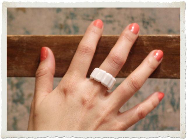 anello rectangle diamond indossato