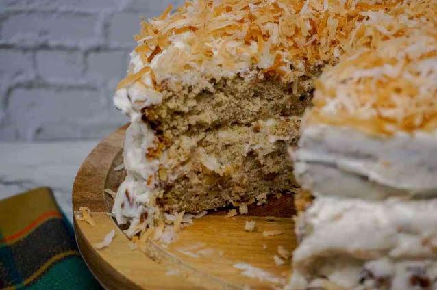 https://www.gracelikerainblog.com/2019/05/banana-cake-with-cream-cheese-frosting.html
