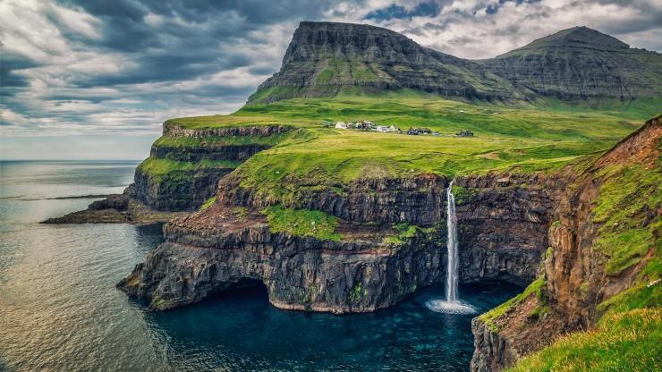 20 Spots In Europe You Must See Before You Die - Gásadalur, Faroe Islands