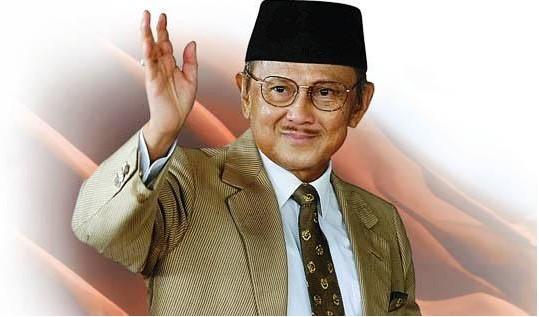 SETUJUKAH ANDA!!! HABIBIE : MASJID HARUS JADI GARIS TERDEPAN DALAM MENINGKATKAN KUALITAS SDM INDONESIA (yang setuju silahkan bagikan info ini)