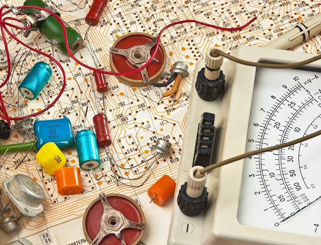Elektrik Elektronik Mühendisliği Nedir? İş İmkanları Nelerdir?