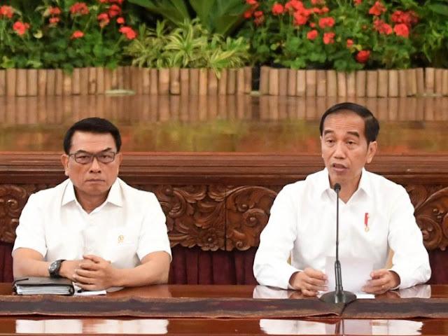 Analis Asing: Walau Tak Tahu, Jokowi Diuntungkan dari Politik Moeldoko