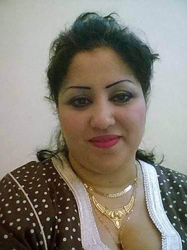 نورهان من الجزائر  متزوجة 48 سنة تبحث عن علاقة