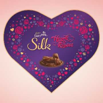 Love Shaped Chocolate Box Gift For Valentines Day
