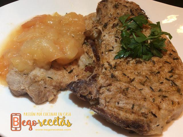 Chuleta de cerdo marinada con salsa de manzana y lim�n