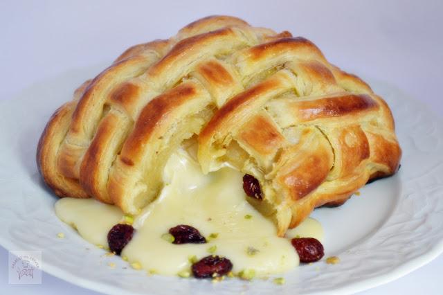 http://www.caietulcuretete.com/2014/04/camembert-in-foietaj-cu-merisoare-si.html