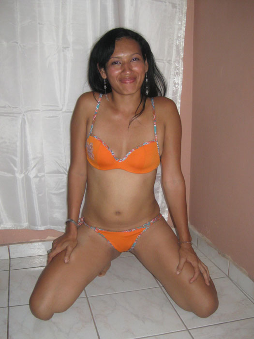 Hot Blog Post Sri Lankan Sexy Bikini Girl-9770