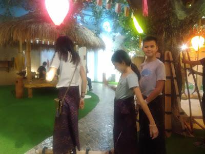Mengenal dan Mencoba alat musik tradisional di Kampung Langit The Keranjang Bali