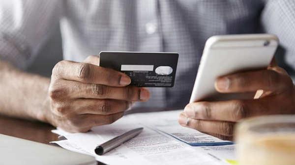 हैकर्स कैसे आपके क्रेडिट / डेबिट कार्ड की डिटेल्स चुरा लेते हैं