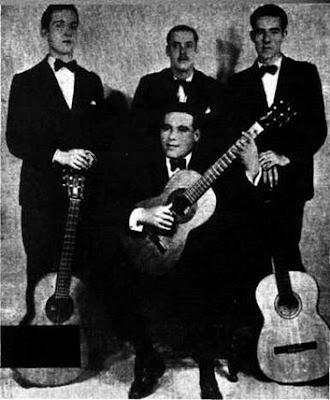Edmundo Rivero(primero de pie a la derencha con Achabal y otras guitarras en 1931)