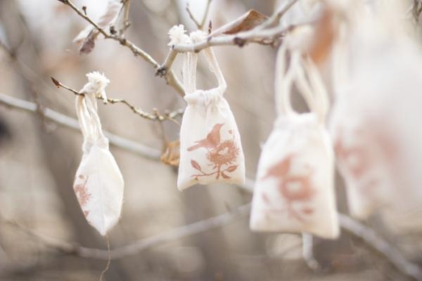 A Nesting Birds Baby Shower for Fall - via BirdsParty.com
