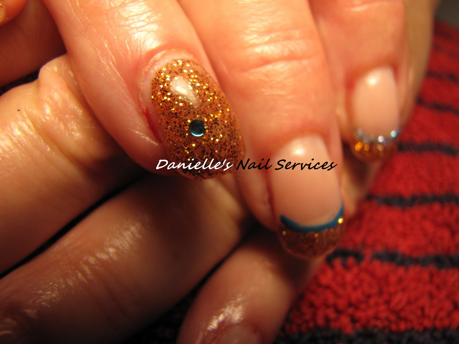 Danielle's Nail Services: December 29th, 2011 - Flashy ...