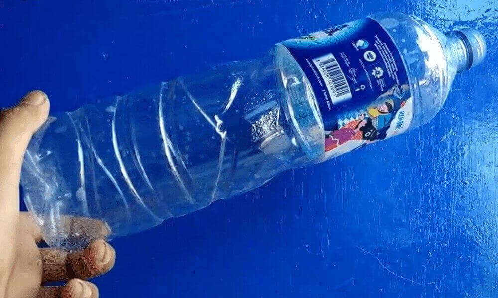 Cara membuat perangkap nyamuk dari botol plastik bekas