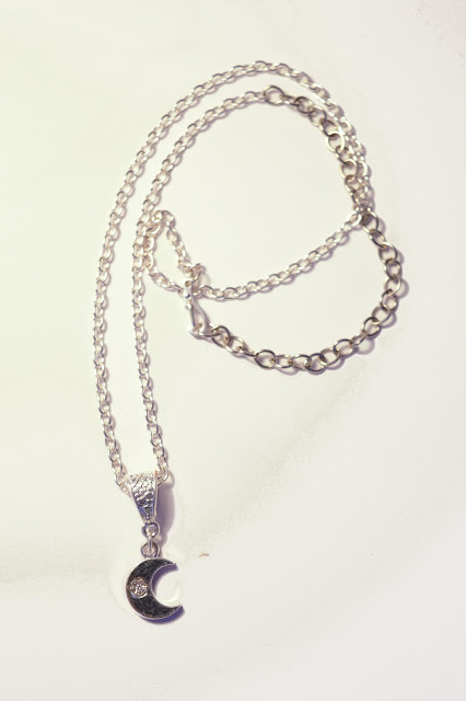 Chipina half moon necklace