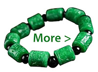 Shopping for jade bracelet