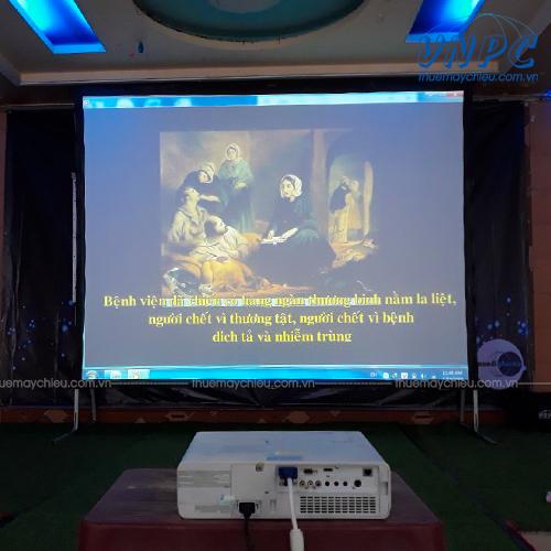 VNPC cho thuê máy chiếu Full HD độ sáng cao