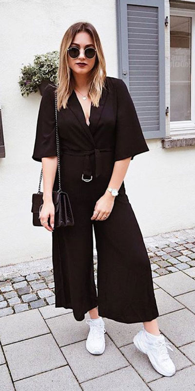 Comfy and casual style is perfect choice for summer season. It's time to share 26 Casual Summer Outfit Ideas You need this moment. Casual Outifts + Summer Style via higiggle.com   black jumpsuit   #summeroutfits #casualoutfits #summer #jumpsuit