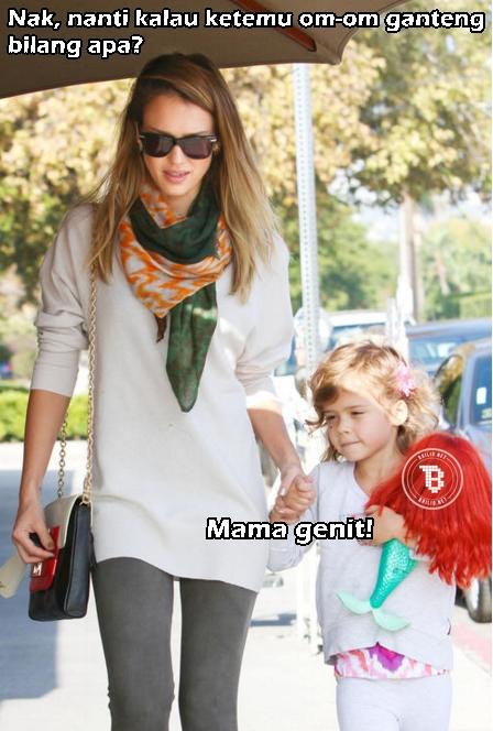 Anak kecil aja gak suka kalo ibunya keganjenan :v (via: brilio.net)